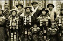 Familie in Gansu 1944, b/w
